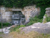 missouri cave home outside
